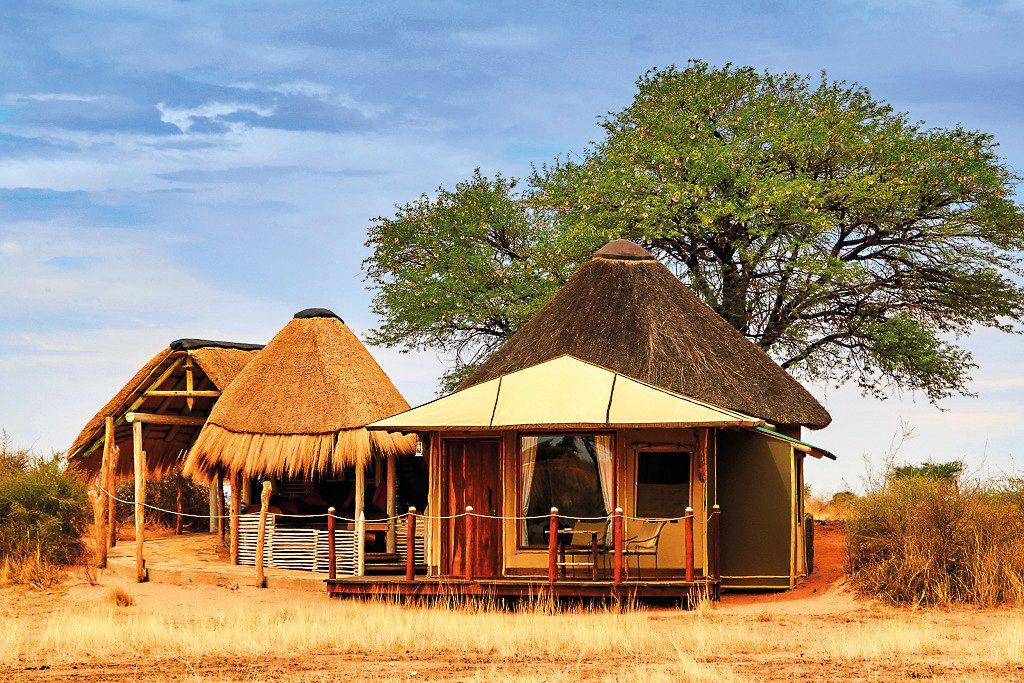 Namibia Mariental Kalahari Red Dunes Lodge Unterkunft Iwanowskis Reisen - afrika.de