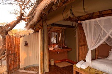 Namibia, Onguma Game Reserve, Tree Top Camp, Außendusche - afrika.de