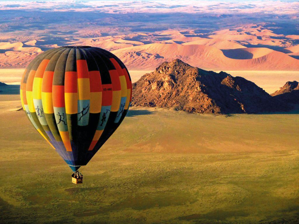 Namibia Sossusvlei Ballonfahrt Dünen Ausflug Iwanowskis Reisen - afrika.de