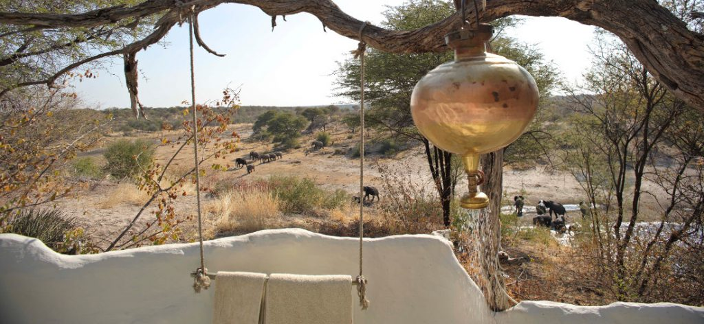 Botswana Makgadikgadi National Park Men A Kwena Safarizelt Ausblick Iwanowskis Reisen - afrika.de