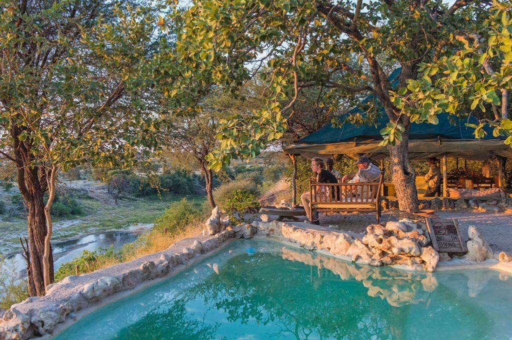 Botswana Makgadikgadi National Park Men A Kwena Pool Iwanowskis Reisen - afrika.de