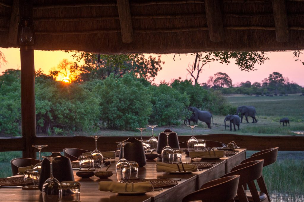Botswana Linyanti Savute Wilderness Safaris Savuti Camp Lounge Ausblick Iwanowskis Reisen - afrika.de