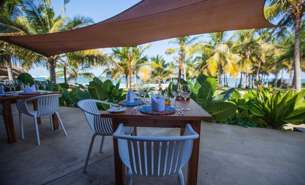 Mosambik Vilanculos Beach Lodge Terrasse Iwanowskis - afrika.de