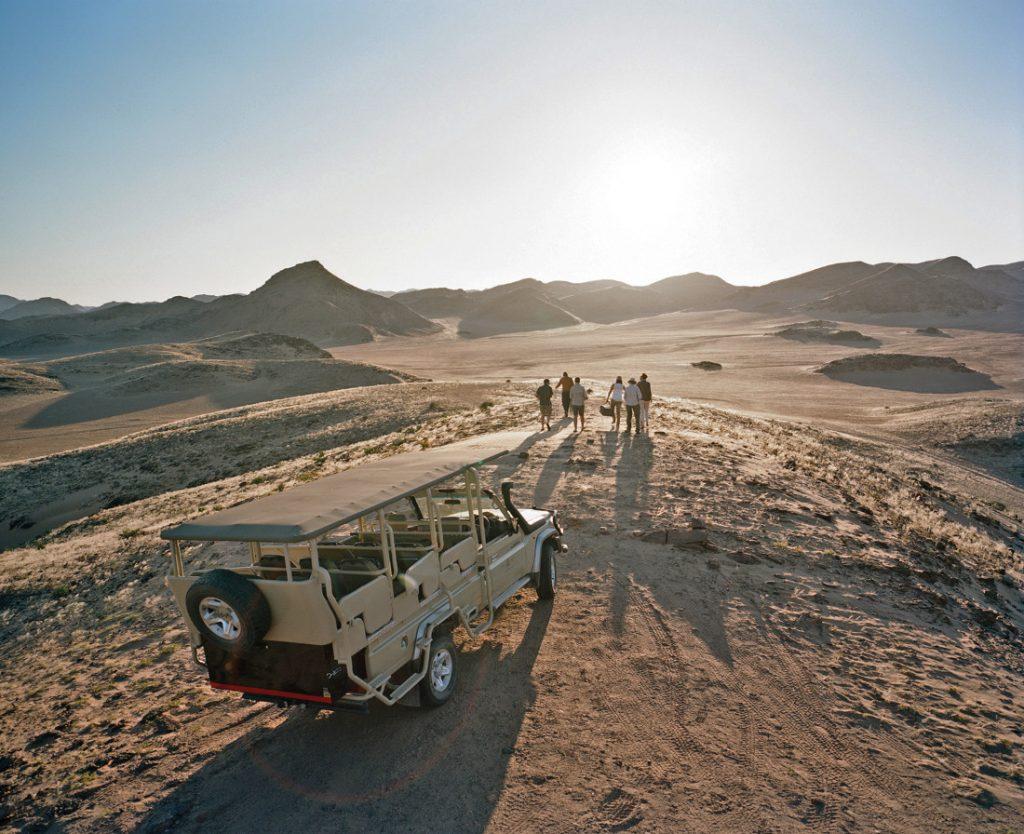 Namibia Kaokoland Hoanib Valley Camp Sundownerfahrt Iwanowskis Reisen - afrika.de