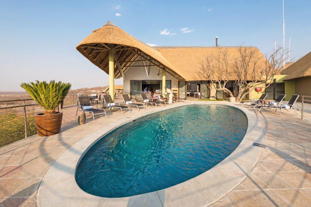 Namibia Etosha Heights Safarihoek Lodge Pool Iwanowskis Reisen - afrika.de