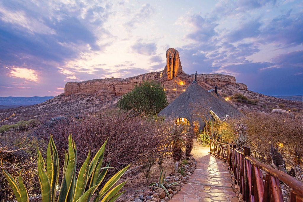 Namibia Khorixas Vingerklip Lodge Iwanowskis Reisen - afrika.de