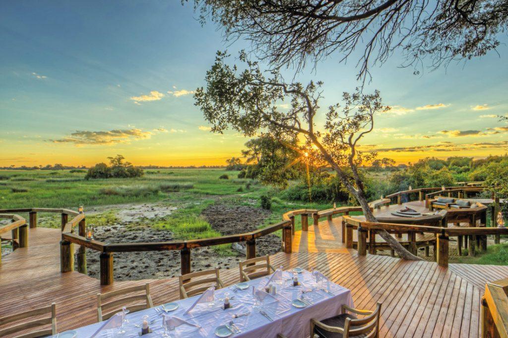 Botswana Okavango Delta Camp Okavango Terrasse Iwanowskis Reisen - afrika.de