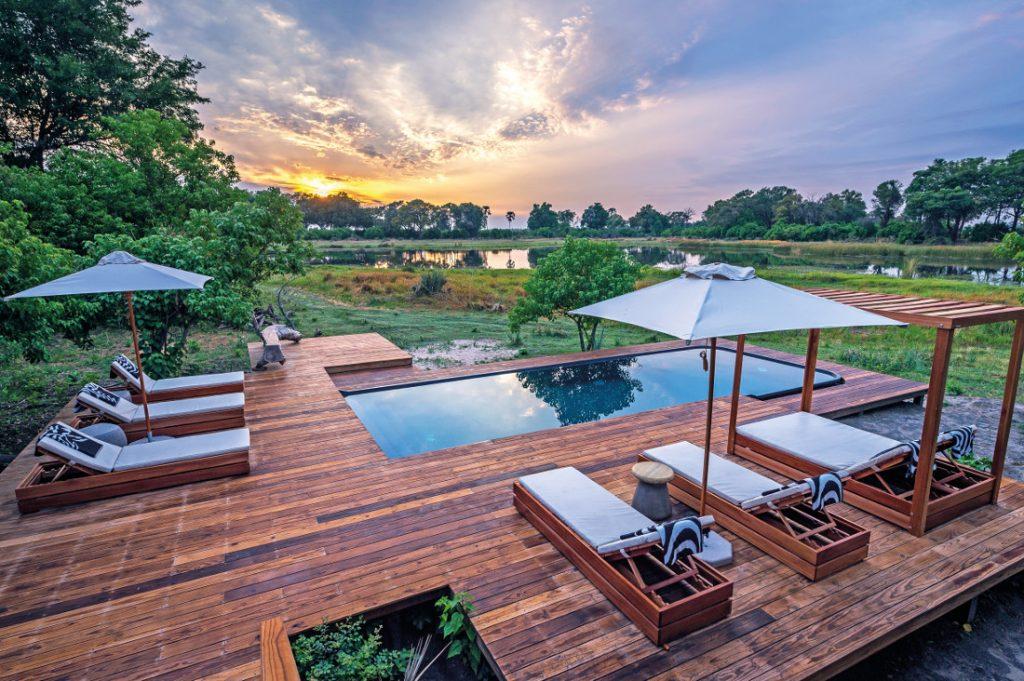 Botswana Okavango Delta Qorokwe Camp Pool Iwanowskis Reisen - afrika.de