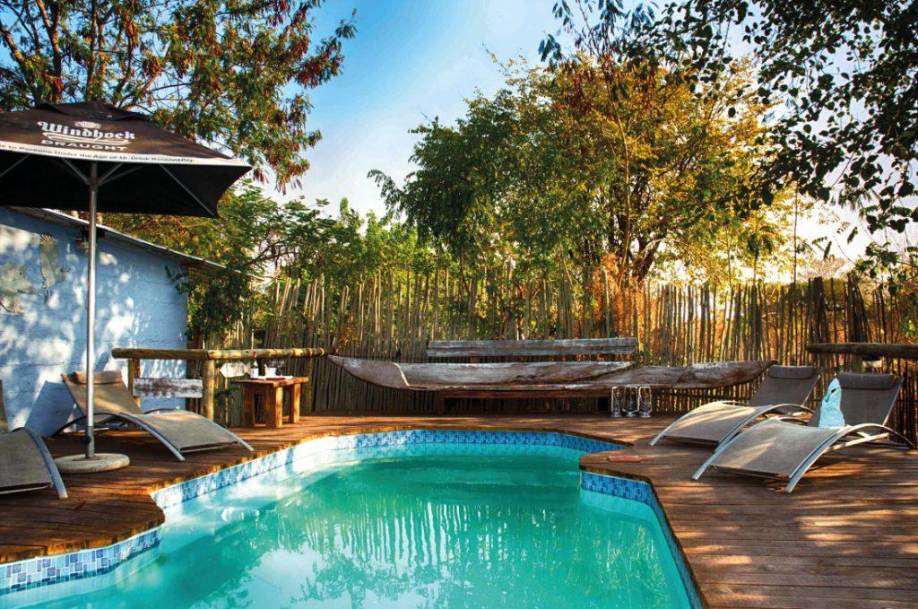 Botswana Kasane The Old House Pool Iwanowskis Reisen - afrika.de