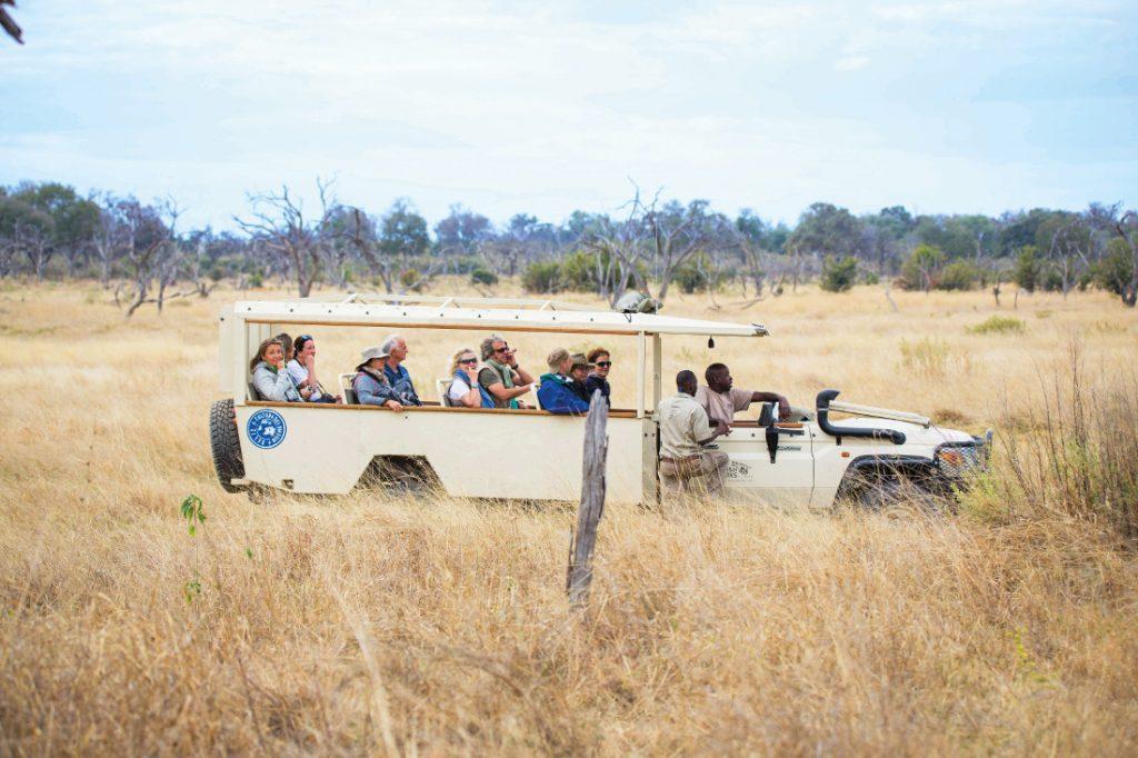 Botswana Safari Bushways Safarifahrzeug Iwanowskis Reisen - afrika.de