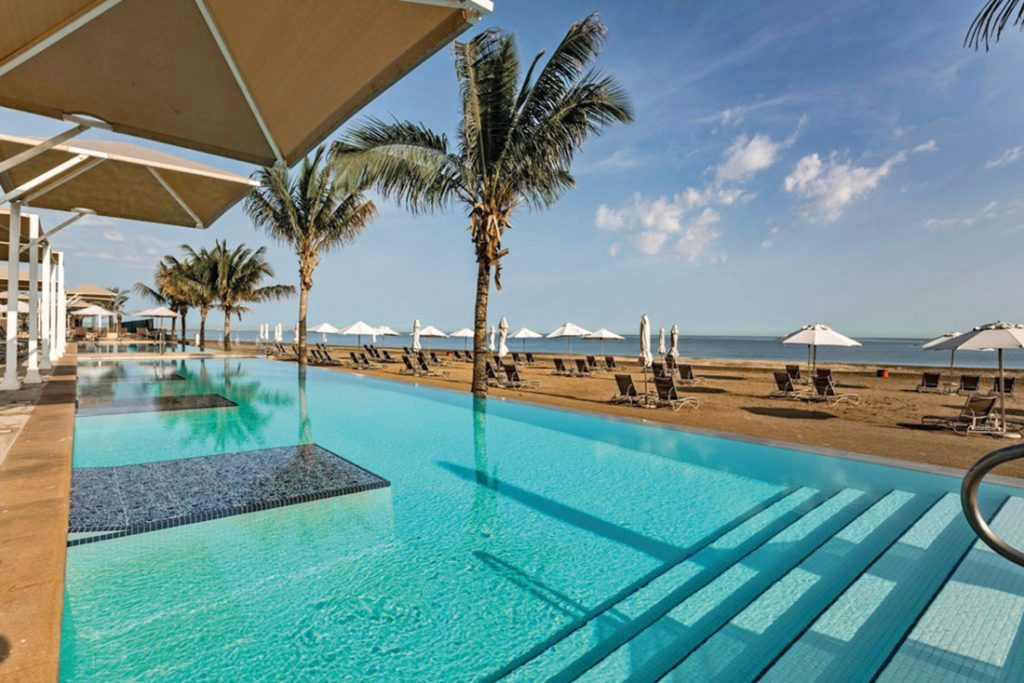 Oman Millenium Resort Mussanah Pool Iwanowskis Reisen - afrika.de