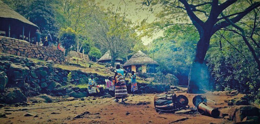 Südafrika Luaname Mountains Funduzi Cultural Camp Iwanowskis Reisen - afrika.de