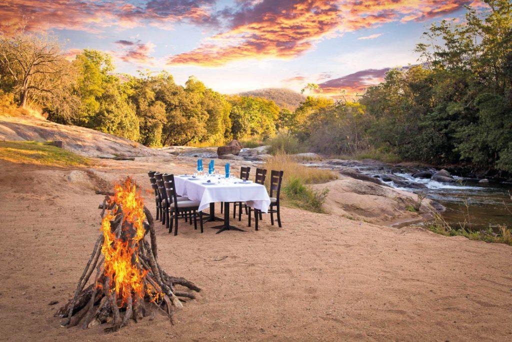 Südafrika Hazyview Lions Rock Rapids Tented Camp Abendessen Iwanowskis Reisen - afrika.de