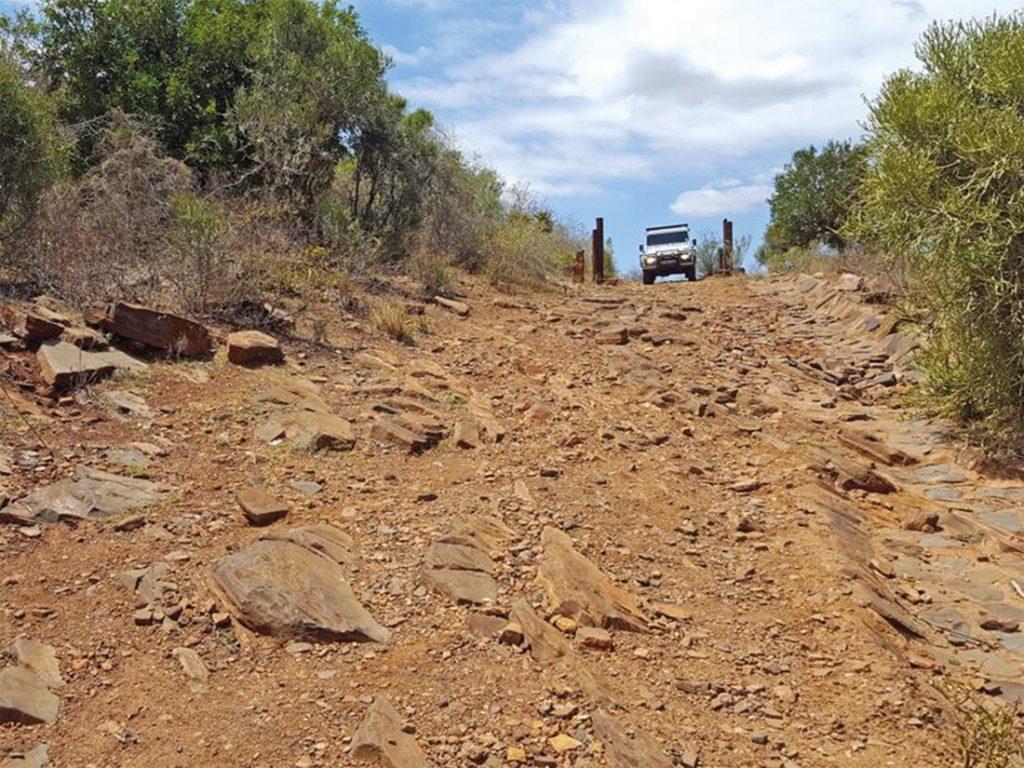 Südafrika Drakensberge Mafefe Camp Anfahrt 4x4 Iwanowskis Reisen - afrika.de