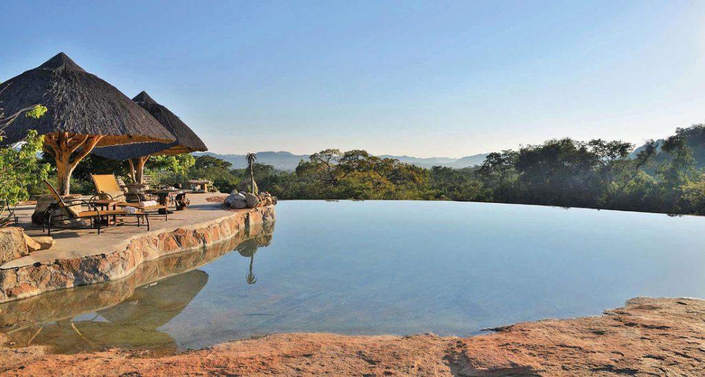 Simbabwe Matobo Nationalpark Amalinda Lodge Pool Iwanowskis Reisen - afrika.de