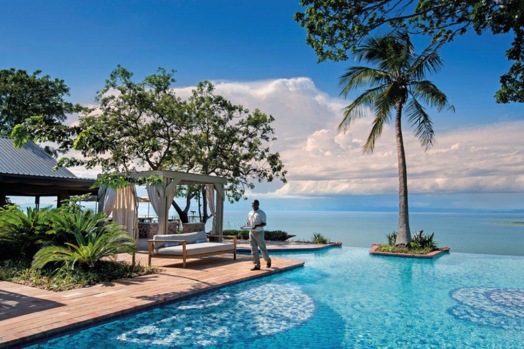 Simbabwe Lake Kariba Bumi Hills Lodge Pool Iwanowskis Reisen - afrika.de