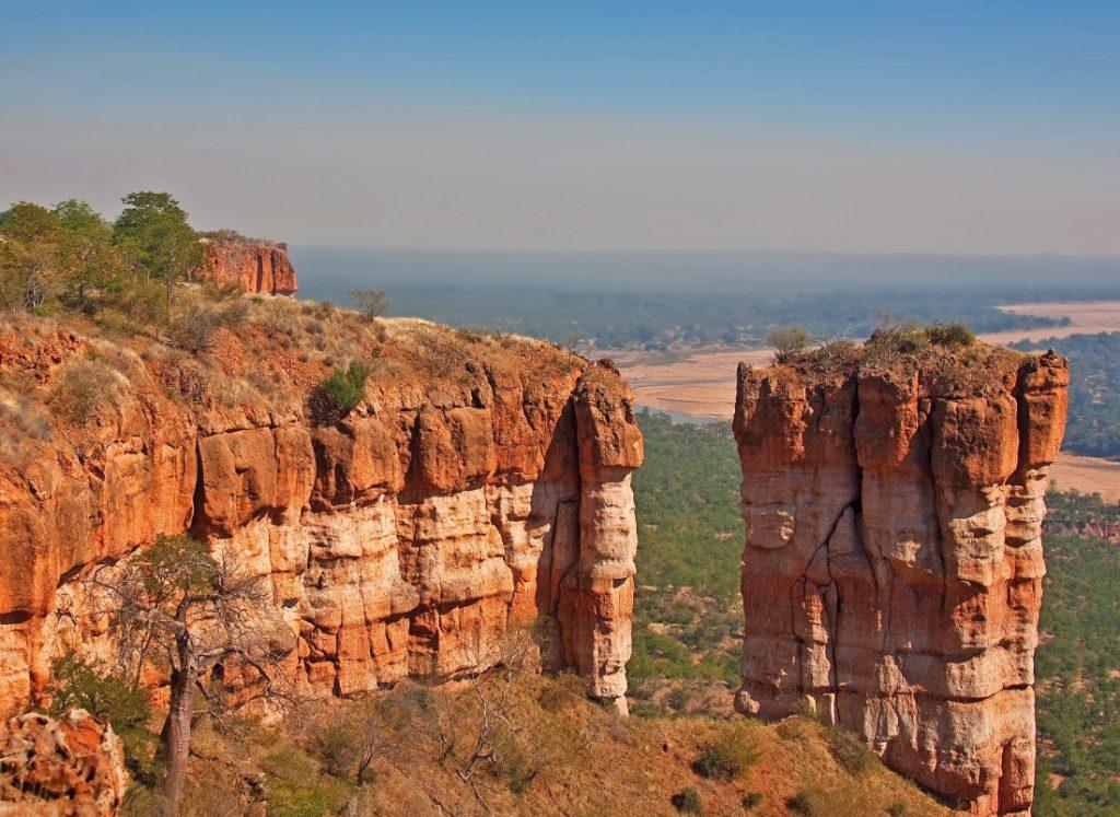 Simbabwe Gonarezhou National Park Chilojo Klippen Iwanowskis Reisen - afrika.de