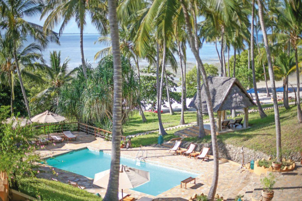 Tansania Mafia Island Kinasi Lodge Pool Iwanowskis Reisen - afrika.de