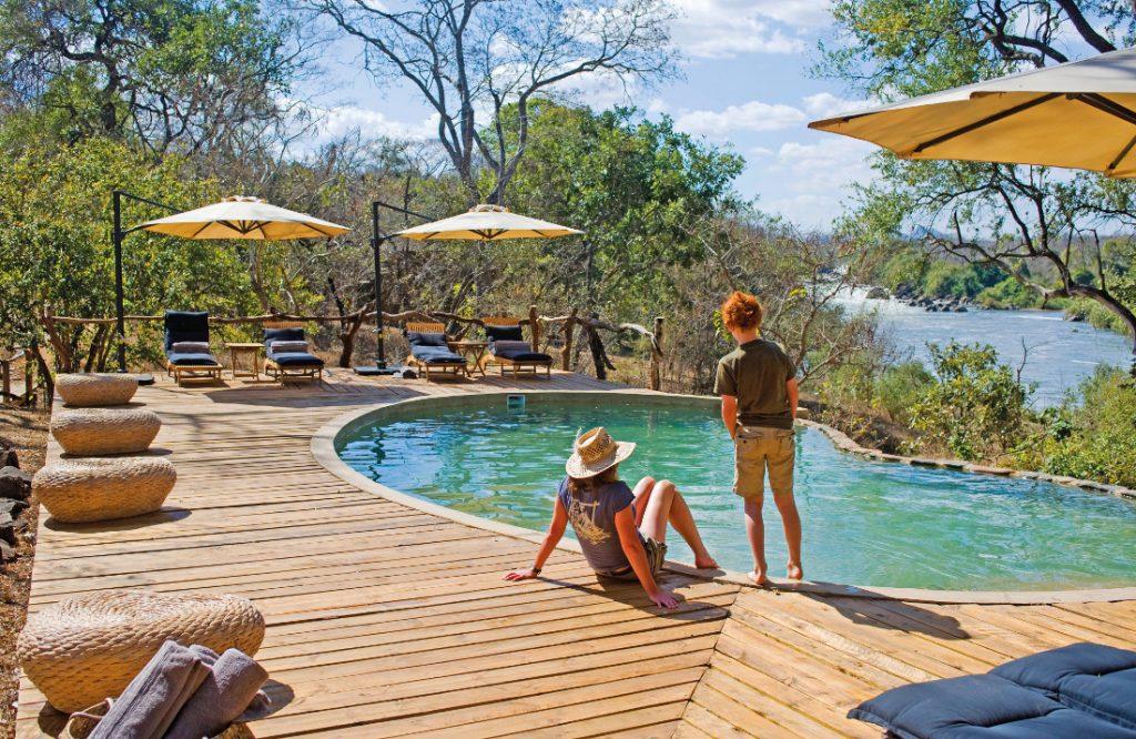 Malawi Majete Wildlife Reserve Mkulumadzi Lodge Pool Iwanowskis Reisen - afrika.de