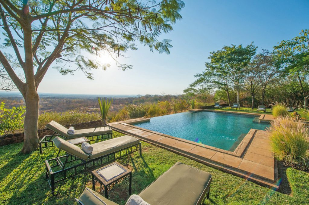 Sambia Livingstone Stanley Safari Lodge Pool Iwanowskis Reisen - afrika.de