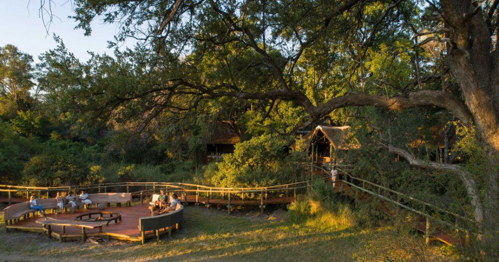 Botswana Moremi Game Reserve Camp Moremi Feuerstelle Iwanowskis Reisen - afrika.de