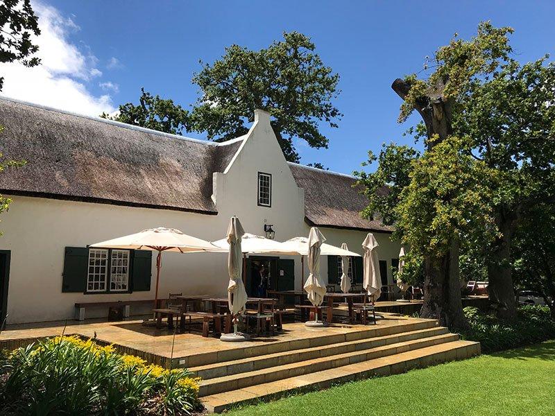 Südafrika Constantia Buitenverwachting Winery Weingut Iwanowskis Reisen - afrika.de