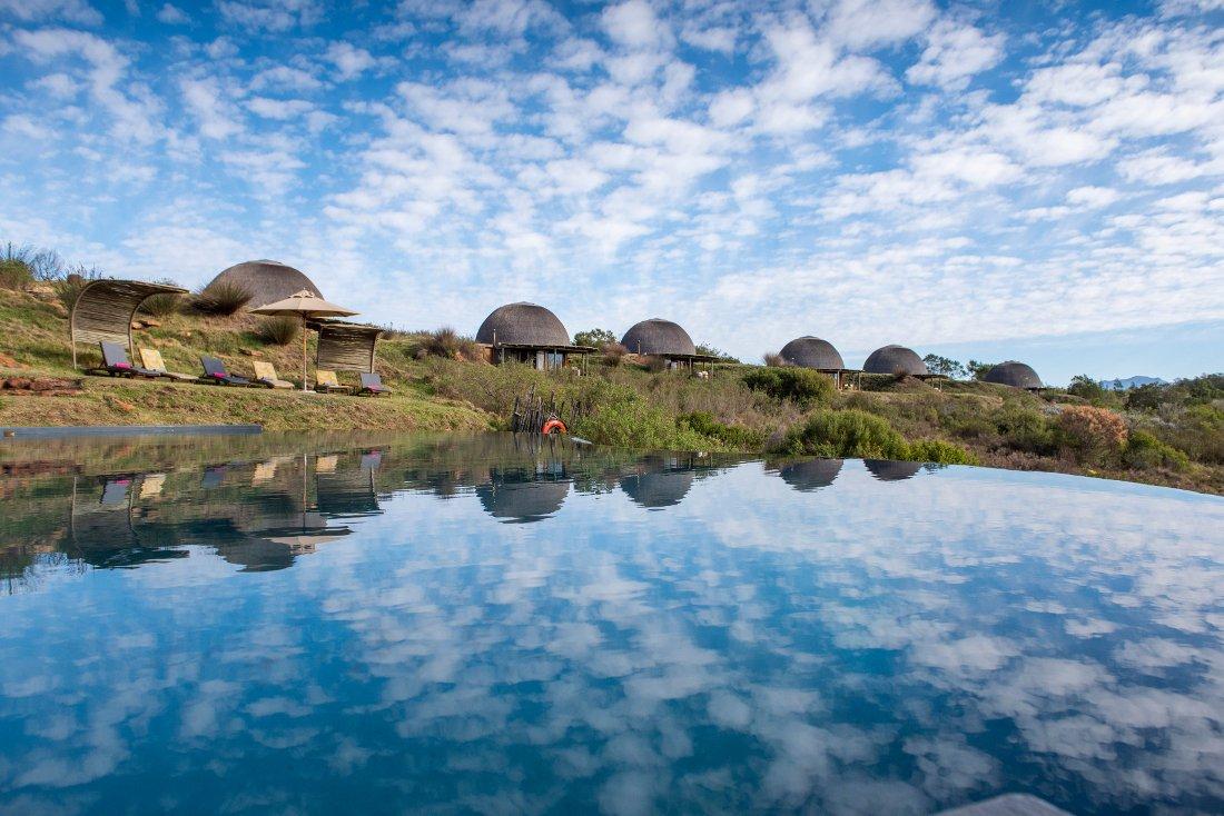 Südafrika George Gondwana Game Reserve Kwena Lodge Pool Iwanowskis Reisen - afrika.de
