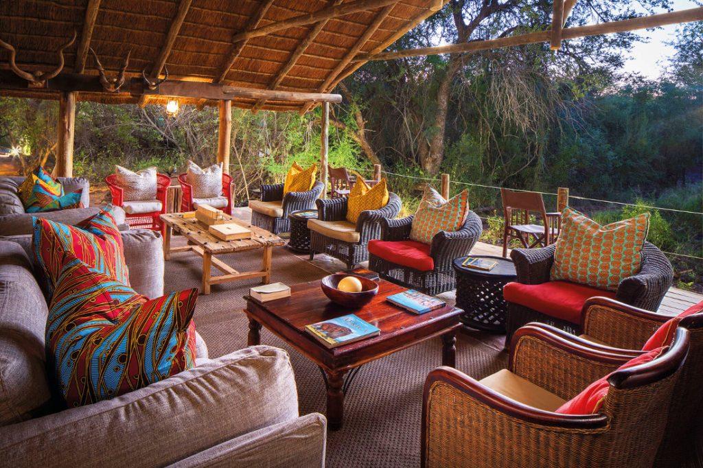 Botswana Mashatu Game Reserve Tented Camp Lounge Iwanowskis Reisen - afrika.de