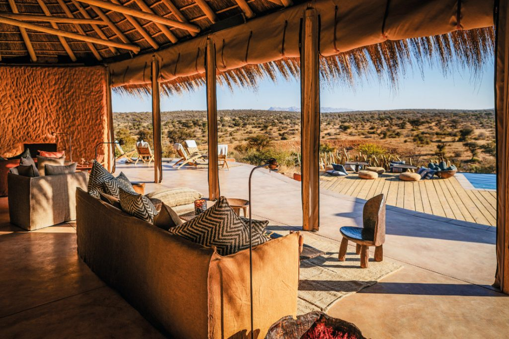 Namibia Windhoek Omaanda Pool Iwanowskis Reisen - afrika.de