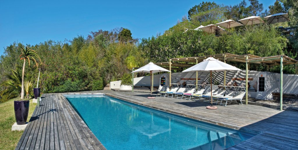 Südafrika Plettenberg Bay Hog Hollow Country Lodge Pool Iwanowskis Reisen - afrika.de