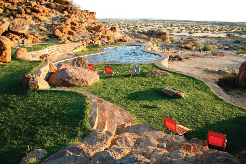 Namibia Fish River Canyon Lodge Pool Iwanowskis Reisen - afrika.de