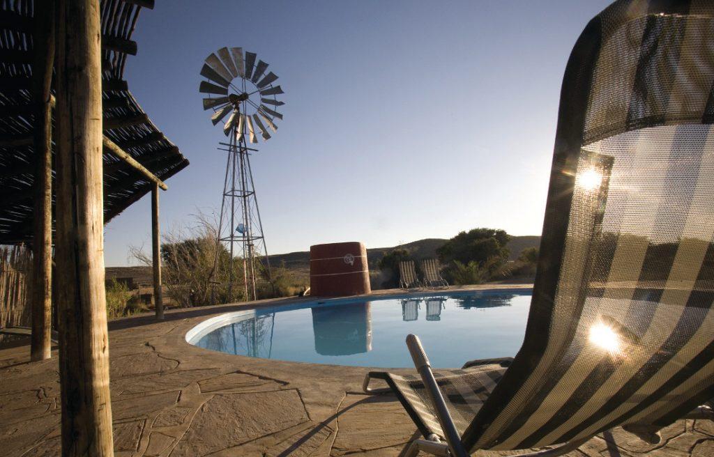 Namibia Fish River Canyon Roadhouse Pool Iwanowskis Reisen - afrika.de