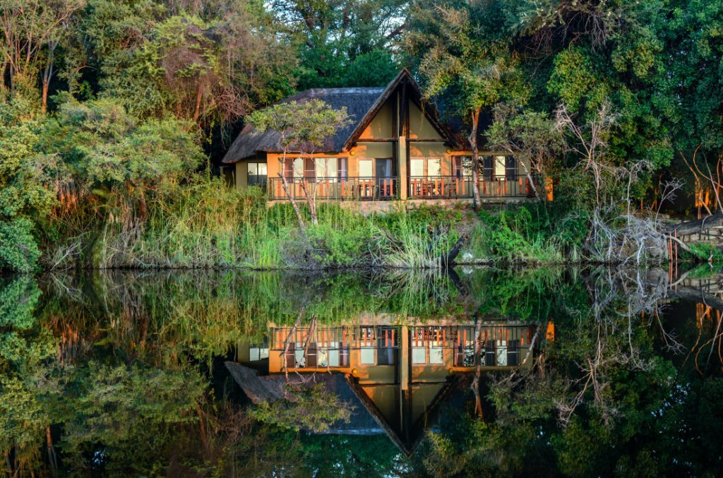 Namibia Caprivi Namushasha River Lodge Iwanowskis Reisen - afrika.de