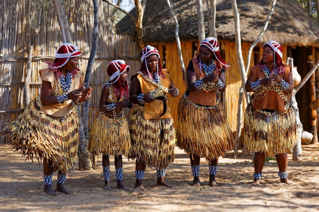 Namibia Caprivi Namushasha River Lodge Kulturzentrum Iwanowskis Reisen - afrika.de