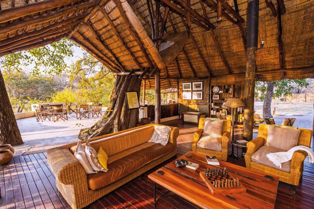 Sambia Kafue NP Nanzhila Plains Camp Lounge Iwanowskis Reisen - afrika.de