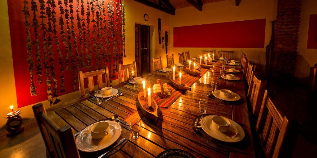 Namibia Tirasberge Namtib Desert Lodge Restaurant Iwanowskis Reisen - afrika.de