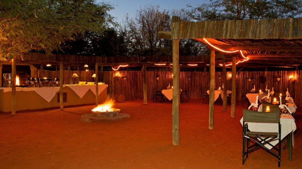 Namibia Kalahari Bagatelle Game Ranch Boma Iwanowskis Reisen - afrika.de