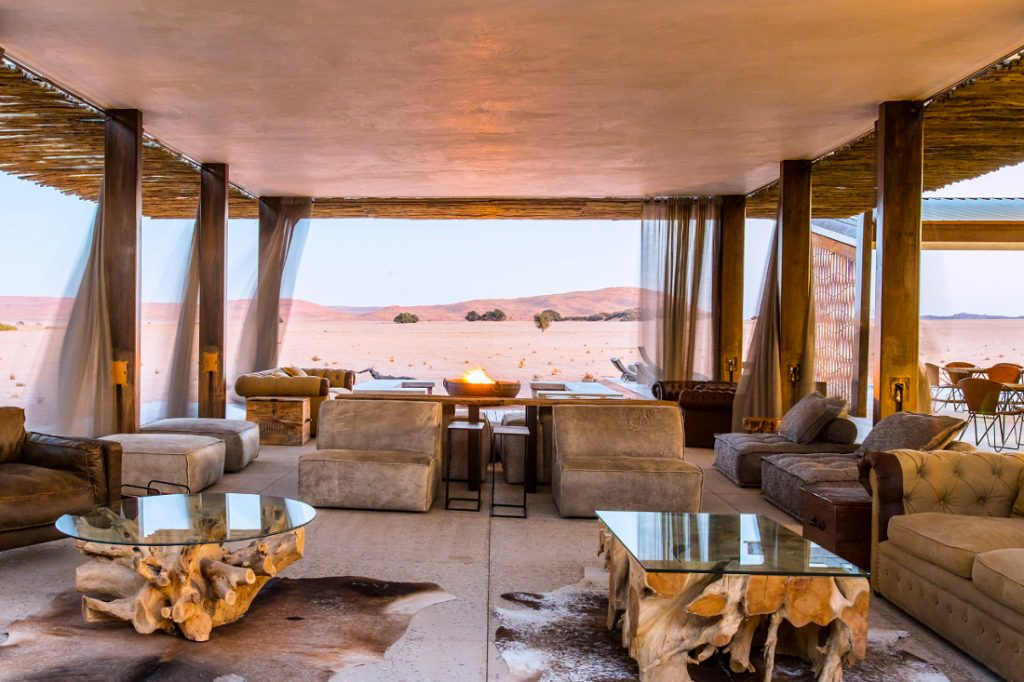Namibia Sossusvlei Dead Valley Lodge Lounge Iwanowskis Reisen - afrika.de