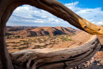 Namibia Damaraland Huab under Canvas Ausblick Iwanowskis Reisen - afrika.de