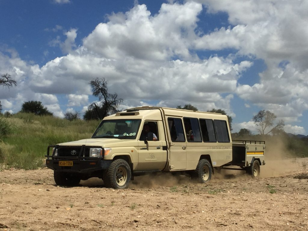 Namibia Ultimate Safarifahrzeug Iwanowskis Reisen - afrika.de