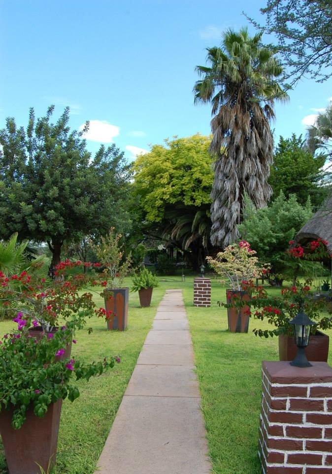 Namibia Etosha National Park Vreugde Gästefarm Garten Iwanowskis Reisen - afrika.de