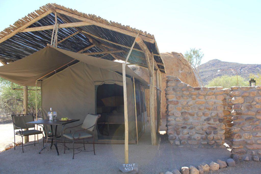 Namibia Erongo Gebirge Hohenstein Lodge Absolute Erongo Etemba Wilderness Camp Iwanowskis Reisen - afrika.de