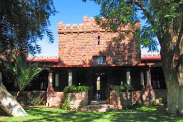 Namibia Maltahöhe Duwisib Farm Schloss Duwisib Iwanowskis Reisen - afrika.de