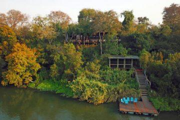 Namibia Caprivi Riverdance Lodge Steg Iwanowskis Reisen - afrika.de