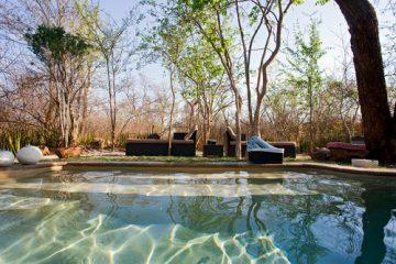 Namibia Caprivi Riverdance Lodge Pool Iwanowskis Reisen - afrika.de