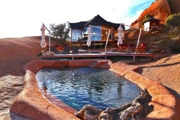 Namibia Spitzkoppen Lodge Pool Iwanowskis Reisen - afrika.de