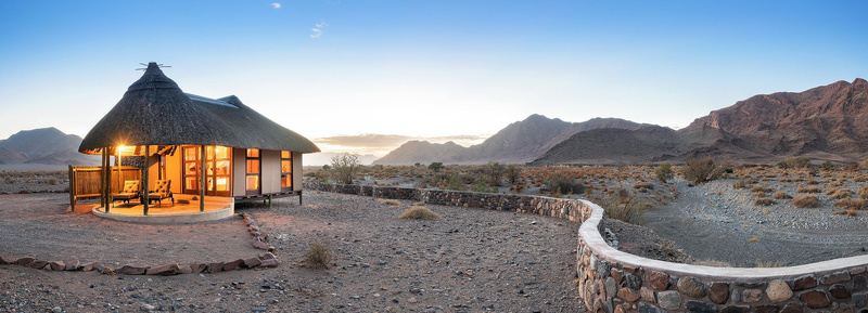 Namibia Sesriem Hoodia Desert Lodge Bungalow Iwanowskis Reisen - afrika.de