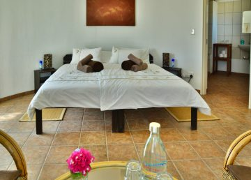 Namibia Sesriem Tsondab Valley Lodge Bungalow Iwanowskis Reisen - afrika.de