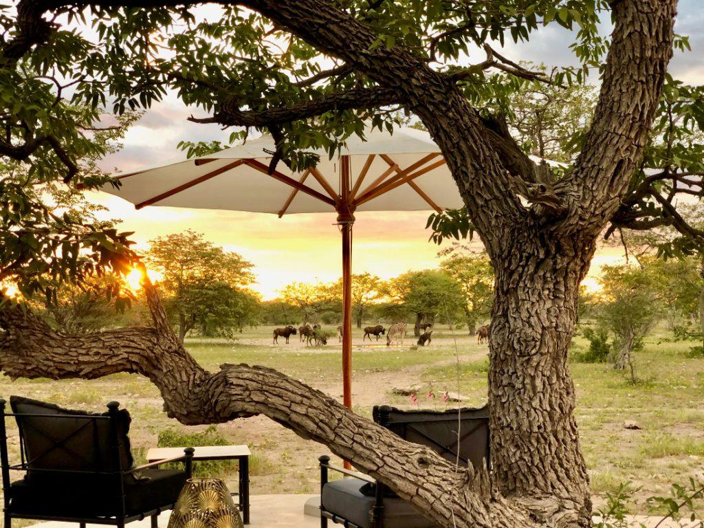 Namibia Etosha Oberland Lodge Ausblick Iwanowskis Reisen - afrika.de