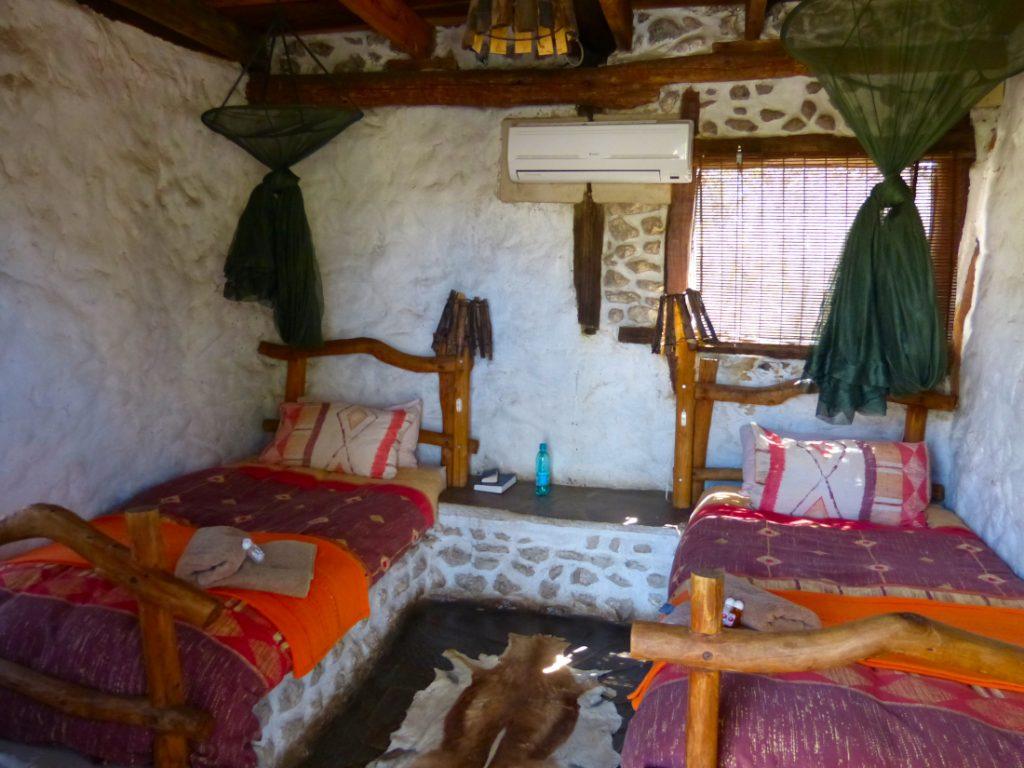 Namibia Grootfontein Roy's Rest Camp Zimmer Iwanowskis Reisen - afrika.de